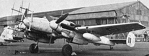 Lichtenstein radar - A Bf 110 G-4 with first-generation FuG 220 and centrally-mounted short-range FuG 202