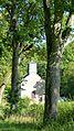 Meesebuerger Kierch vun der Stroos gekuckt.jpg