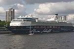 Mein Schiff 1 Hamburger Hafengeburtstag 2013 03.jpg