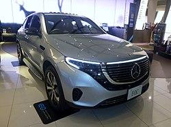 Mercedes-Benz EQC400 4MATIC (N293) front.jpg