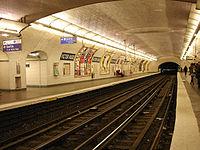 Metro de Paris - Ligne 2 - Victor Hugo 01.jpg