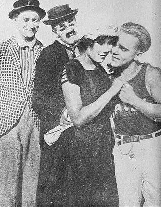 Harry McCoy - Max Asher, Harry McCoy, Louise Fazenda, and Bobby Vernon in Mike and Jake at the Beach (1913)