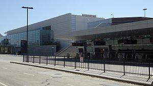 Mineta San Jose Airport Terminal building.jpg