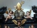 Mondsee Kirche - Abendmahlsaltar Wappen.jpg