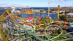 Montreal La Ronde from Cartier bridge.jpg
