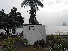 Monument in Limbe..JPG