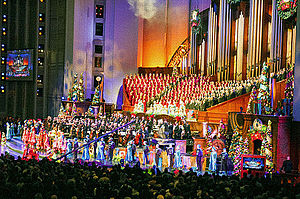 Mormon Tabernacle Choir - Mormon Tabernacle Choir performing at Temple Square in 2014