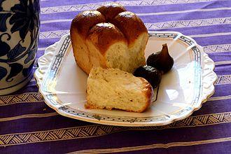 Mosbolletjies - Mosbolletjies is sweetened , leavened yeast bun flavoured with caraway and or anise seed.