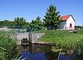 Mrzeżyno III Canal watergate pumpstation 2009-06.jpg