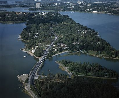 How to get to Kuusisaari with public transit - About the place