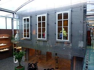 Museum aan het Vrijthof - Courtyard with TEFAF pavillon