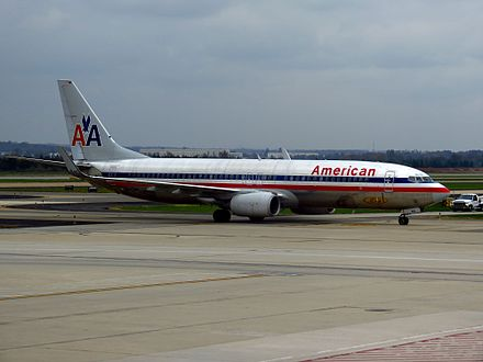An American Airlines Boeing 737-800 taxiing - Washington Dulles International Airport