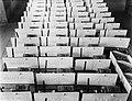 Naamschildjes Varadijne in de Leko-fabriek in Utrecht, Bestanddeelnr 252-0463.jpg
