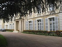 Nevers prefecture ext 01.jpg