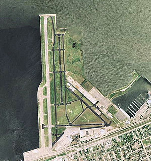Lakefront Airport - USGS 2006 orthophoto