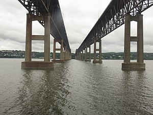 Newburgh–Beacon Bridge - Underside of the bridge viewed from the ''Adirondack'' Amtrak train