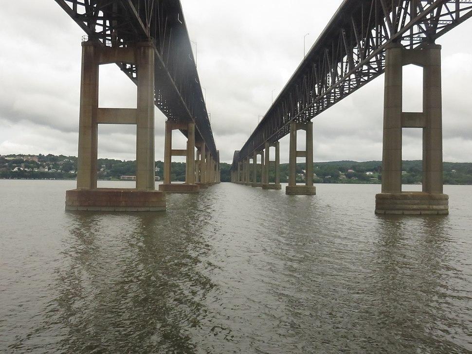 Newburgh–Beacon Bridge underside 2017