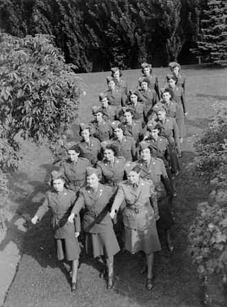 Canadian women in the World Wars - Members of the Canadian Auxiliary Women's Corps in August 1942.