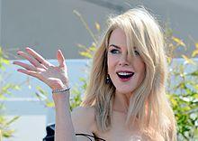 Nicole Kidman Cannes 2017 3.jpg