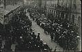 Obisk koroških otrok in njihovih staršev spomladi leta 1920 v Ljubljani.jpg
