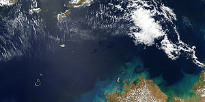 English: Oil Slick in the Timor Sea, September...