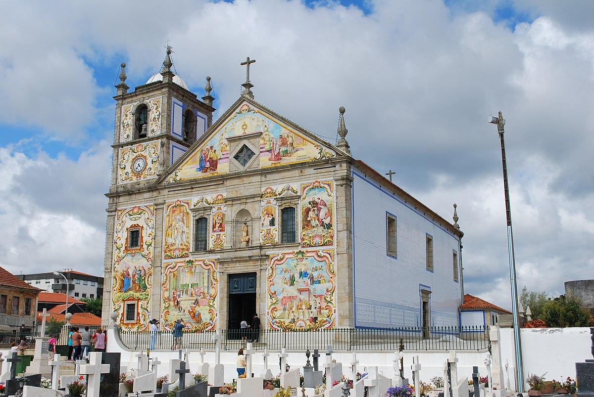 Ovar - Igreja Paroquial de Válega (exterior).jpg