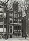 overzicht voorgevel grachtenhuis met bedrijven - amsterdam - 20319553 - rce