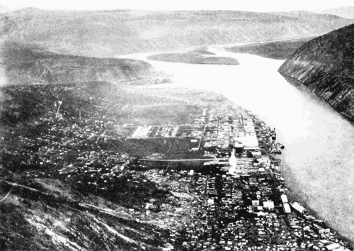 PSM V56 D0475 Midnight view of dawson city on june 21 1899.png