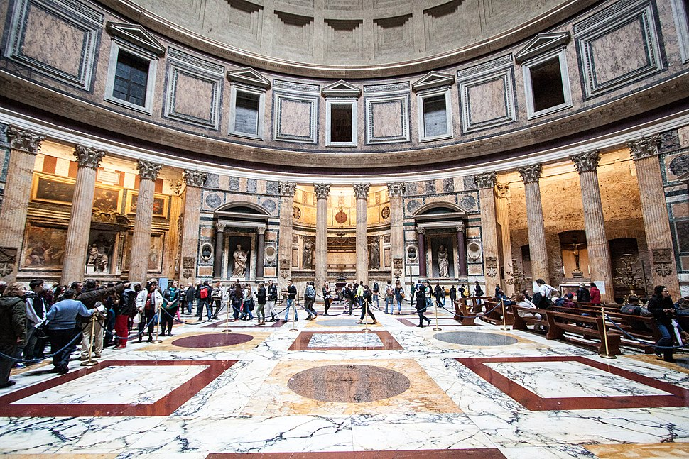 Pantheon, side view of the centrum of the rotonda, 2013-03-07