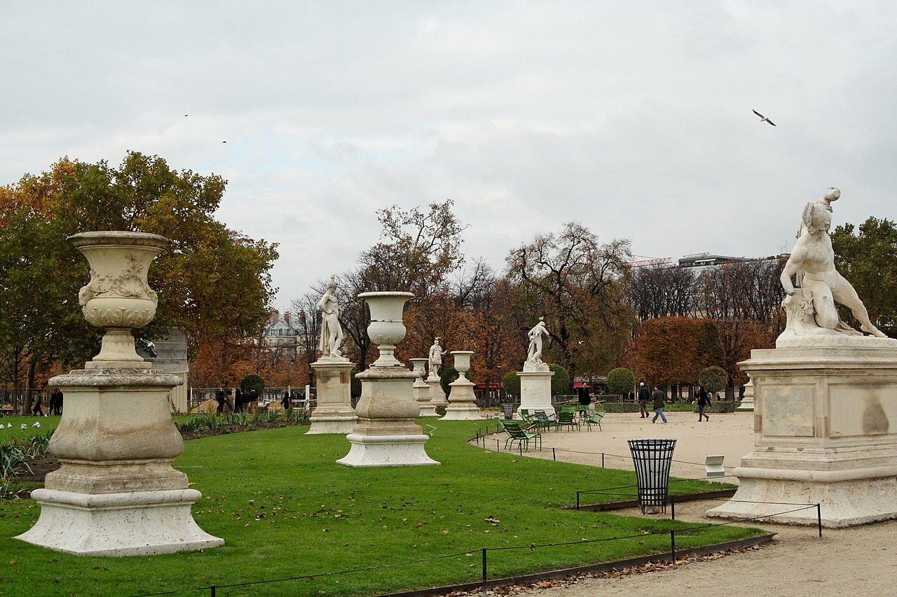 File paris 75001 jardin des tuileries statues du grand bassin wikimedia commons - Grand bassin de jardin ...