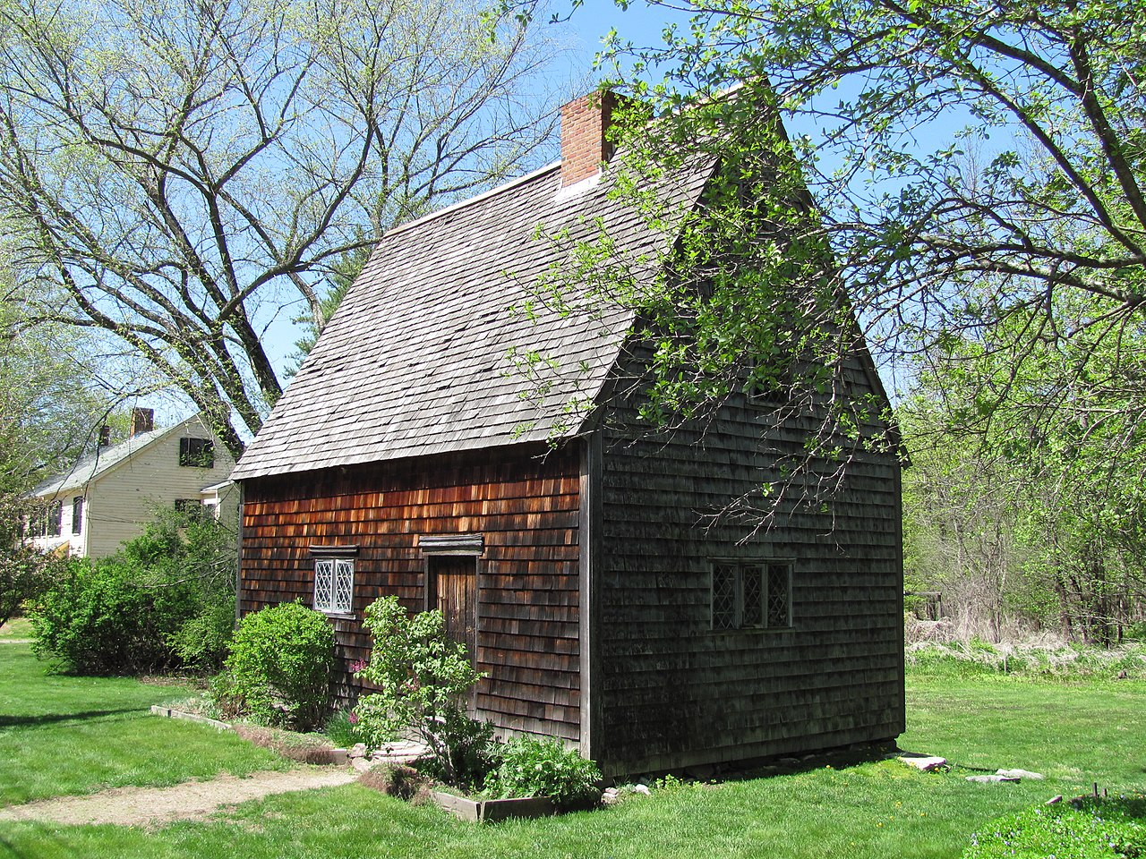 File peak house medfield wikipedia for Mass home builders