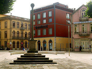 Praça do Almada - The Pelourinho, the 16th-century town pillory.