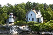 Perkins Island Maine Light with Keepers Quarters 2009.jpg