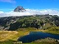 Pic du Midi d'Ossau et lac Roumassot.jpg
