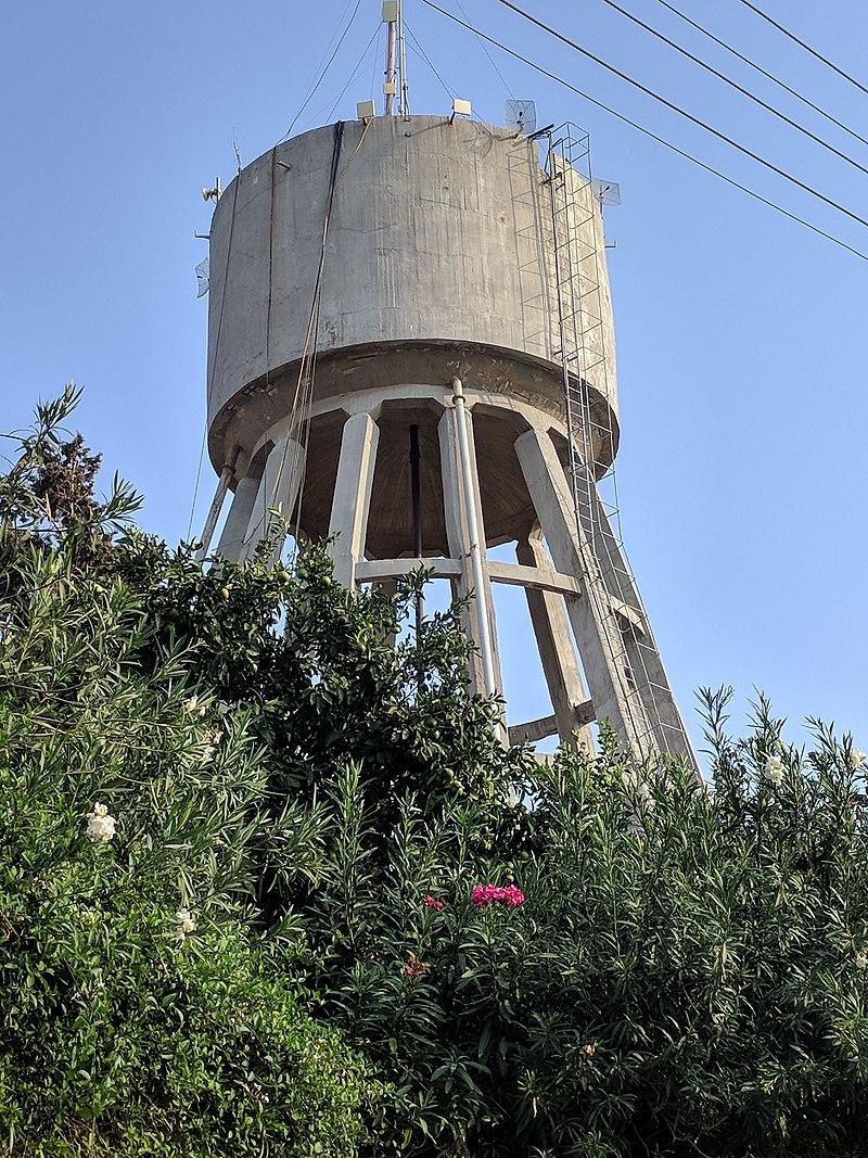 מגדל המים במערב רעננה