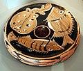 Pittore della striscia punzonata, piatto da pesce, campania 350-330 ac ca.jpg