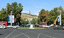 葉里溫-夥伴關係-Place de France, Yerevan (cropped)