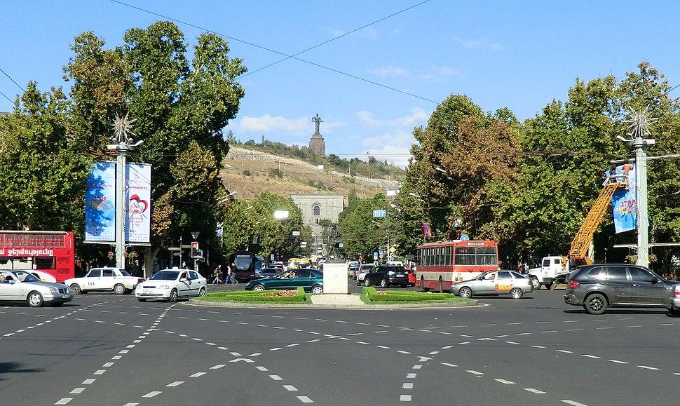 Place de France, Yerevan (cropped)