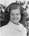 Portrait of First Lady Betty Ford - NARA - 186819.tif