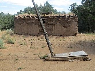 Pot Creek Cultural Site - Image: Pot Creek Pueblo Room and Kiva