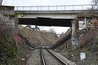 Praha-trať-u viaduktu---most-Kosořské-ulice2017.jpg