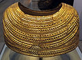 Prima età del bronzo, mantello d'oro da mold (flintishire, galles), 1900-1600 ac. ca. 02.JPG