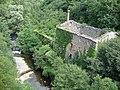 Privas (Ardèche, Fr) Le Mézayon avec moulin en ruine.JPG