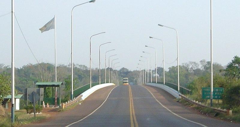 File:Puente Internacional Tancredo Neves.JPG