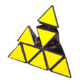 Pyraminx disassembled 2.png