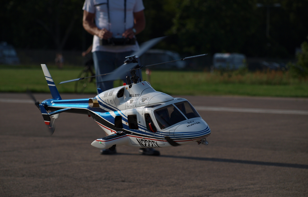 RC Helicopter Bell222 with Pilot