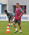 Rafinha Training 2019-04-10 FC Bayern Muenchen-1.jpg