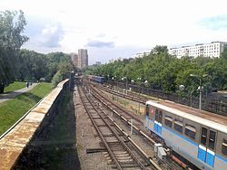 Railway junction near Kuntsevskaya metro station (Moscow).jpg
