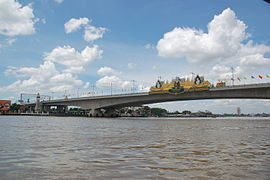 Rama 4 bridge.JPG