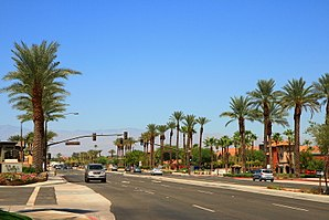 Die California State Route 111 in Rancho Mirage.
